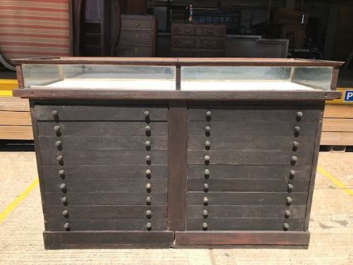 Antique French Shop Counter - Removeable Glass Top - mh65